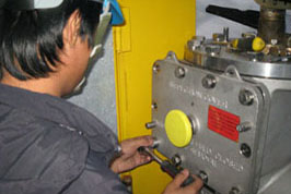 Servicing of Whessoe LNG Level Gauge